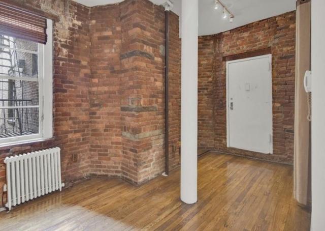 1 Bedroom, SoHo Rental in NYC for $2,765 - Photo 2