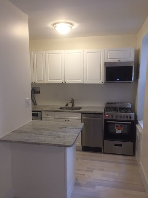 1 Bedroom, Flatbush Rental in NYC for $2,200 - Photo 2