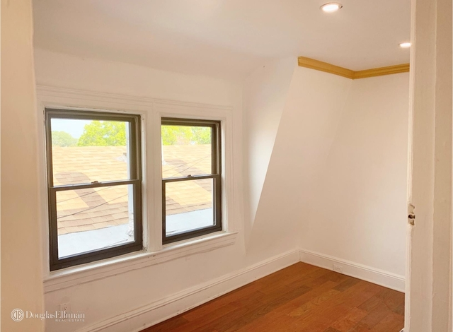 3 Bedrooms, Woodside Rental in NYC for $2,595 - Photo 2