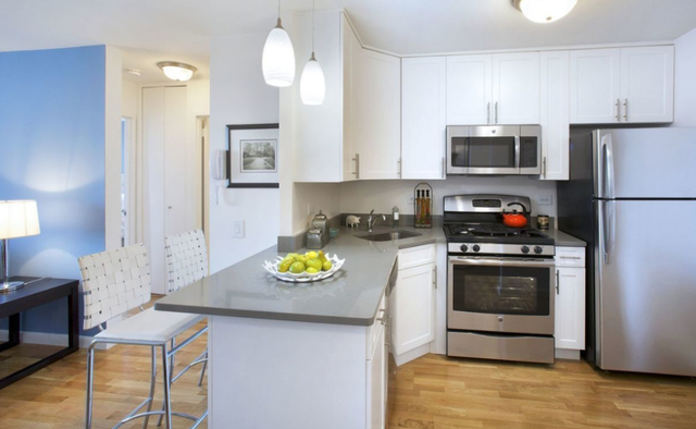 1 Bedroom, Battery Park City Rental in NYC for $3,673 - Photo 2