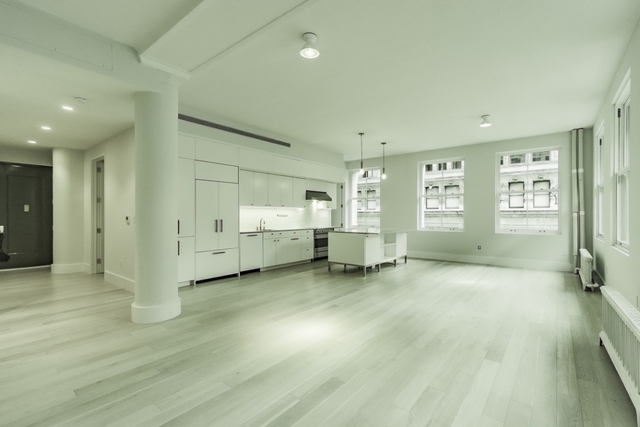 3 Bedrooms, SoHo Rental in NYC for $14,800 - Photo 1