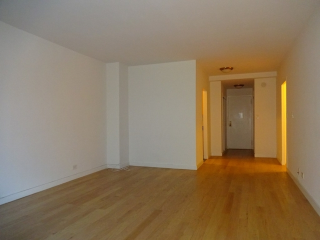 Studio, Sutton Place Rental in NYC for $2,850 - Photo 2