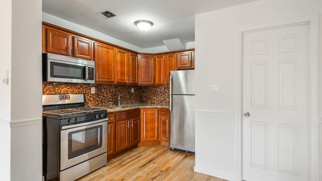 3 Bedrooms, Mott Haven Rental in NYC for $2,650 - Photo 1