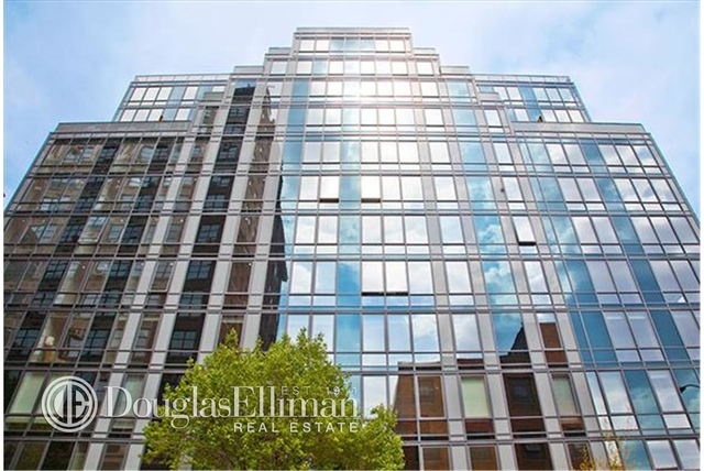 2 Bedrooms, Hell's Kitchen Rental in NYC for $6,019 - Photo 1