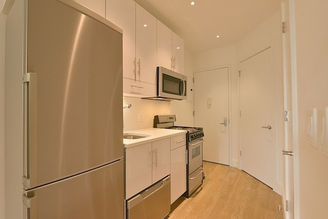 2 Bedrooms, Bowery Rental in NYC for $3,483 - Photo 2