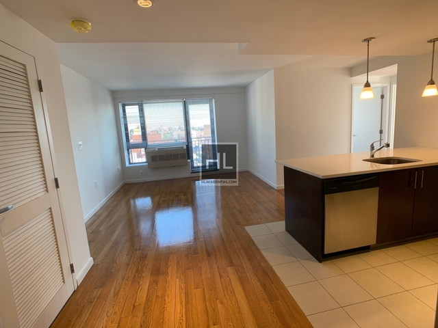 1 Bedroom, Astoria Rental in NYC for $2,700 - Photo 2