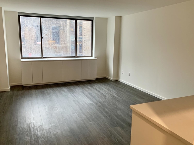 Studio, Hell's Kitchen Rental in NYC for $2,970 - Photo 2