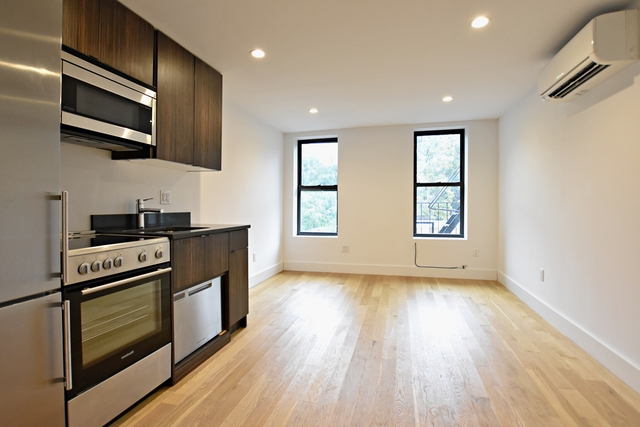 3 Bedrooms, Alphabet City Rental in NYC for $3,627 - Photo 1