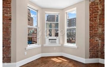 4 Bedrooms, West Village Rental in NYC for $8,900 - Photo 2