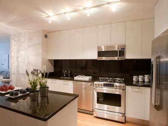 1 Bedroom, Turtle Bay Rental in NYC for $4,700 - Photo 2