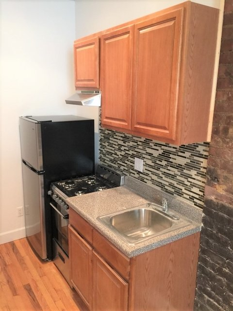 Studio, East Village Rental in NYC for $2,099 - Photo 2