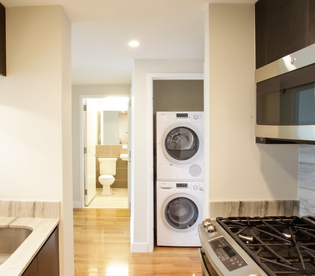2 Bedrooms, Chelsea Rental in NYC for $6,750 - Photo 2