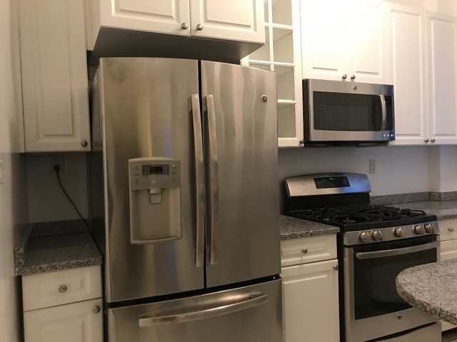 2 Bedrooms, Carnegie Hill Rental in NYC for $6,490 - Photo 2