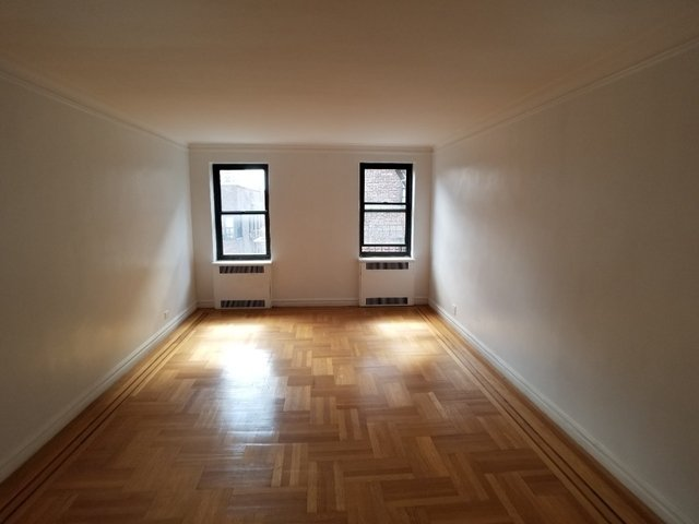 2 Bedrooms, Concourse Village Rental in NYC for $2,450 - Photo 2