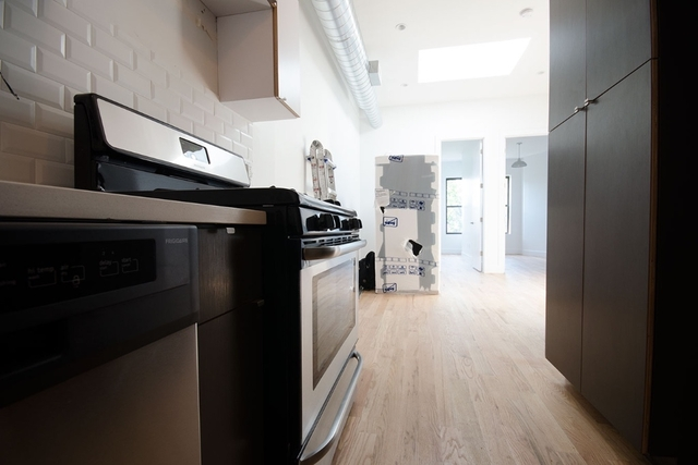 Room, Bushwick Rental in NYC for $1,035 - Photo 2