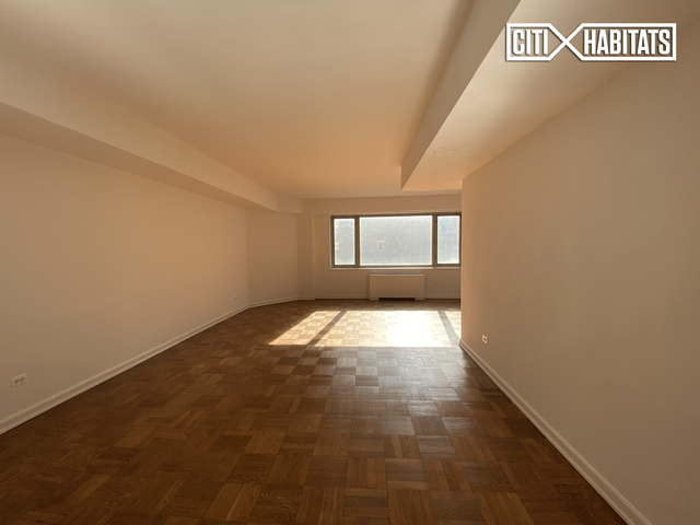 2 Bedrooms, Carnegie Hill Rental in NYC for $5,724 - Photo 2