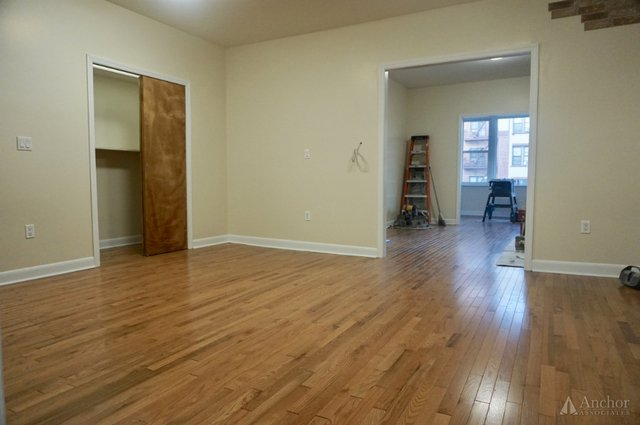 4 Bedrooms, Inwood Rental in NYC for $3,200 - Photo 2