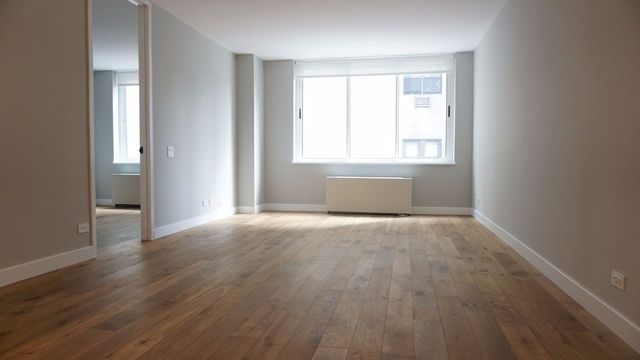 3 Bedrooms, Hell's Kitchen Rental in NYC for $6,501 - Photo 2