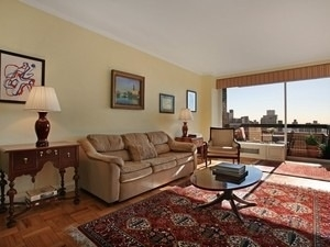 1 Bedroom, Carnegie Hill Rental in NYC for $5,500 - Photo 1