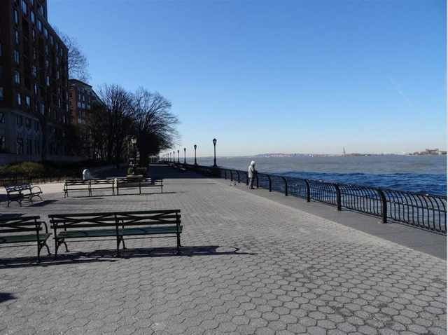 1 Bedroom, Battery Park City Rental in NYC for $3,150 - Photo 2