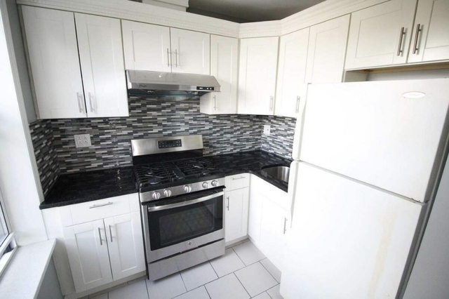 3 Bedrooms, Sunset Park Rental in NYC for $2,600 - Photo 2