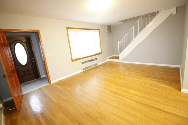 3 Bedrooms, Bay Ridge Rental in NYC for $4,000 - Photo 1