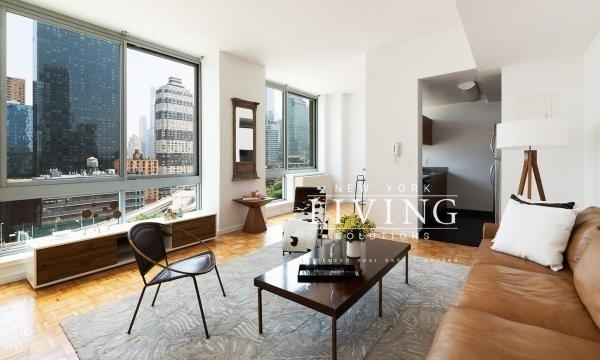 Studio, Hell's Kitchen Rental in NYC for $2,787 - Photo 2