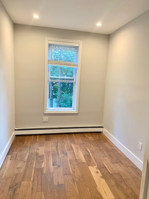 Room, Weeksville Rental in NYC for $1,050 - Photo 2