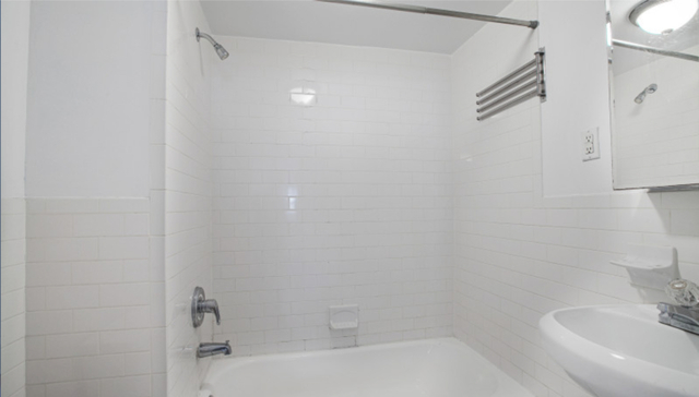 1 Bedroom, West Village Rental in NYC for $2,595 - Photo 2