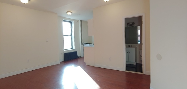 4 Bedrooms, North Slope Rental in NYC for $3,725 - Photo 2