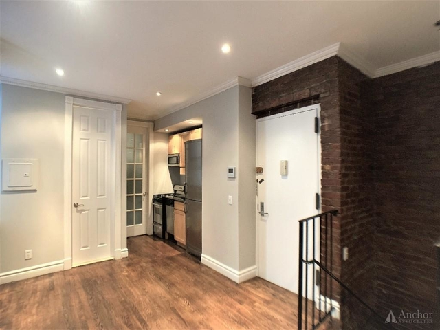 3 Bedrooms, East Village Rental in NYC for $4,704 - Photo 2