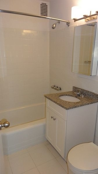 1 Bedroom, Forest Hills Rental in NYC for $1,960 - Photo 2
