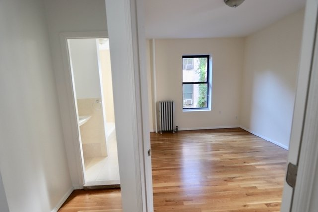 2 Bedrooms, West Village Rental in NYC for $3,660 - Photo 1