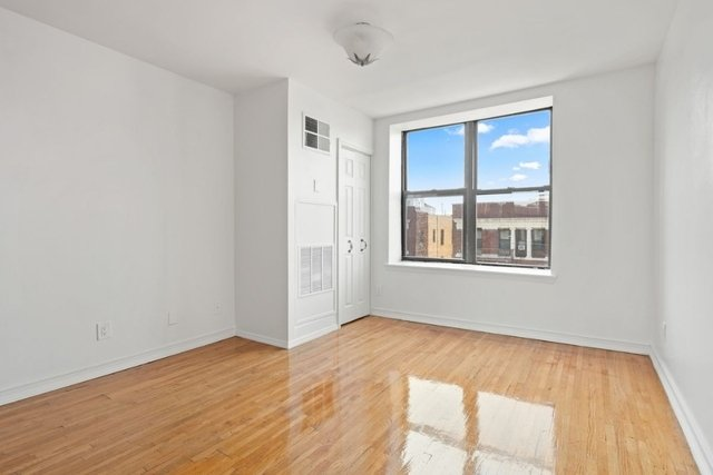 3 Bedrooms, Inwood Rental in NYC for $3,000 - Photo 2