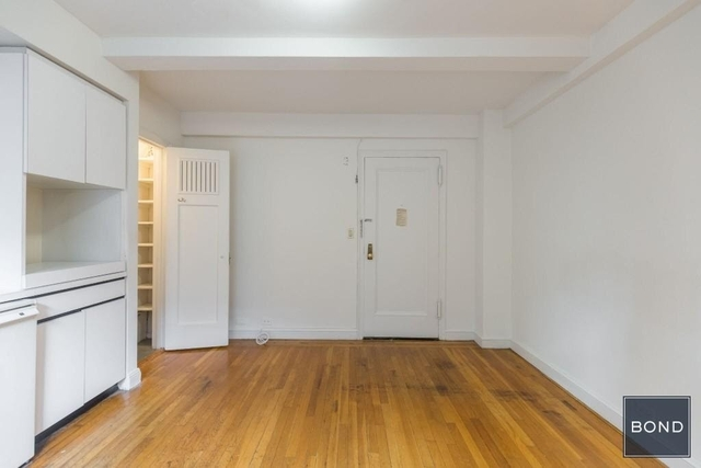 Studio, Hell's Kitchen Rental in NYC for $1,895 - Photo 2
