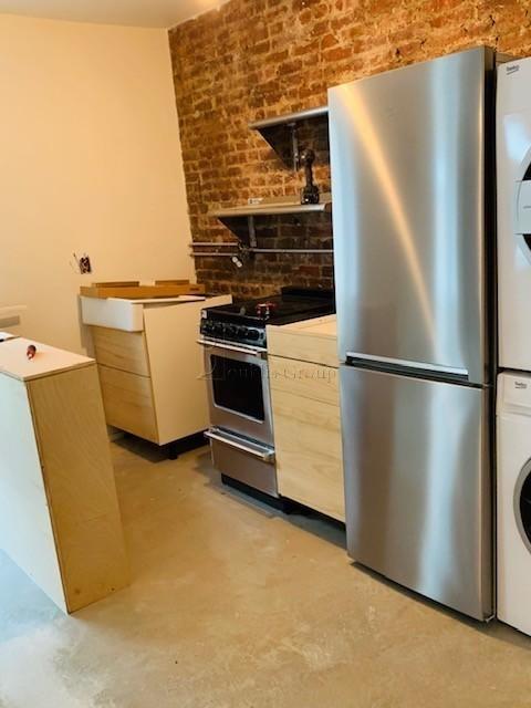 1 Bedroom, Astoria Rental in NYC for $2,600 - Photo 2
