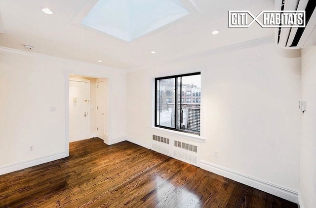 3 Bedrooms, West Village Rental in NYC for $6,600 - Photo 2