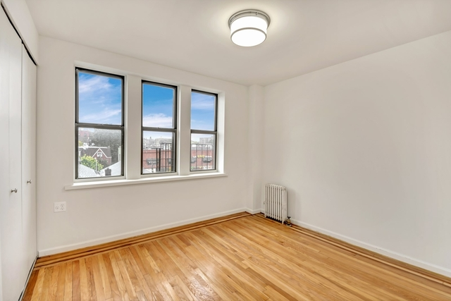 2 Bedrooms, Jackson Heights Rental in NYC for $2,613 - Photo 2