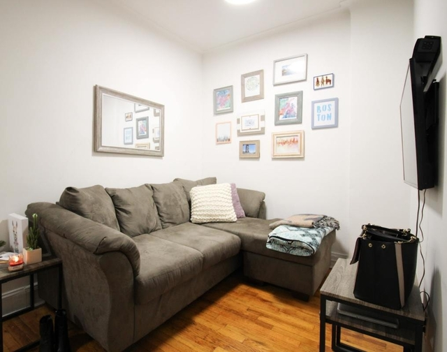 2 Bedrooms, Sutton Place Rental in NYC for $3,450 - Photo 2