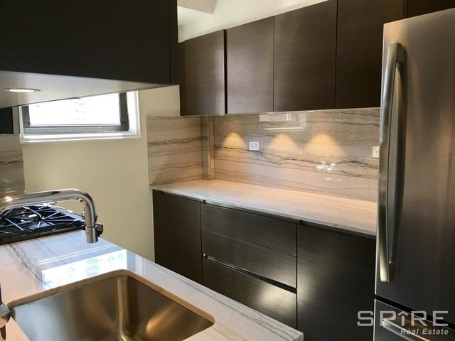 2 Bedrooms, Rose Hill Rental in NYC for $5,995 - Photo 2