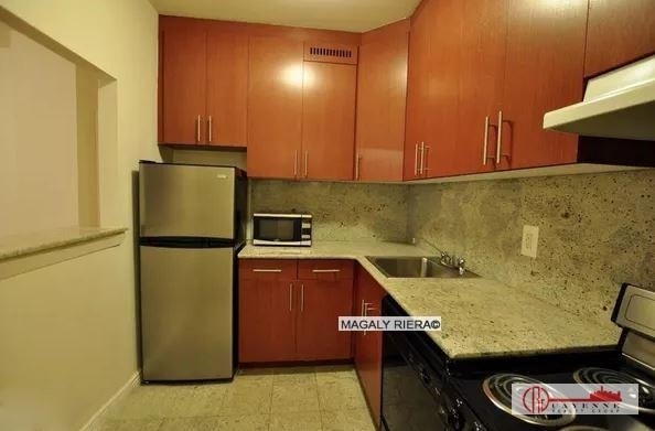 2 Bedrooms, Gramercy Park Rental in NYC for $4,200 - Photo 2
