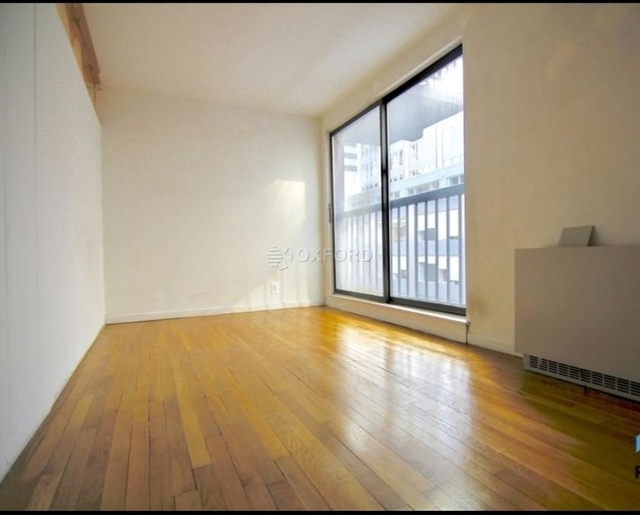 3 Bedrooms, Midtown East Rental in NYC for $4,500 - Photo 2