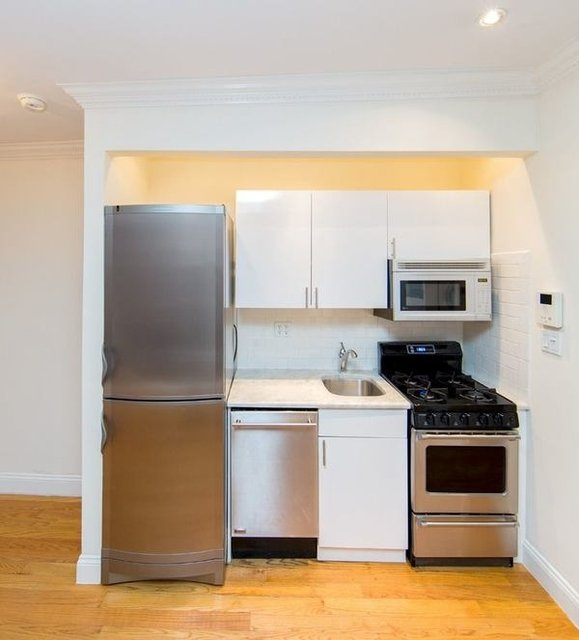 1 Bedroom, Sutton Place Rental in NYC for $2,704 - Photo 1