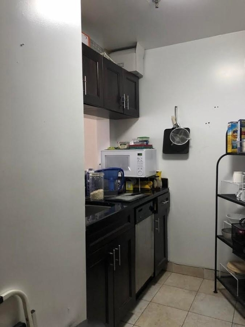 2 Bedrooms, Yorkville Rental in NYC for $2,675 - Photo 2