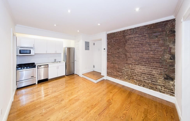 3 Bedrooms, West Village Rental in NYC for $6,000 - Photo 2