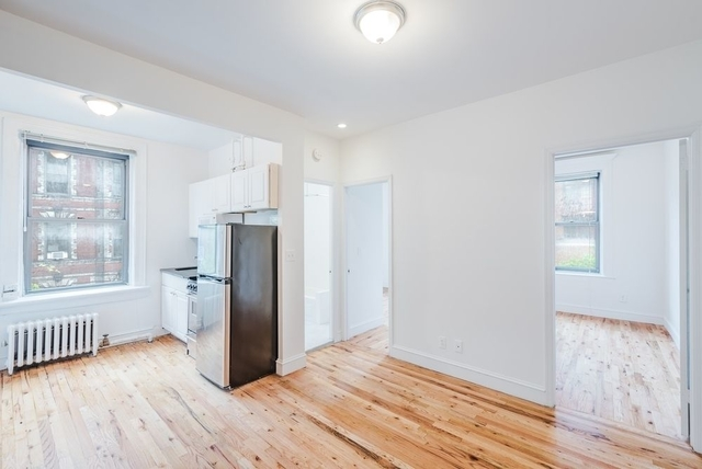 3 Bedrooms, SoHo Rental in NYC for $5,000 - Photo 1