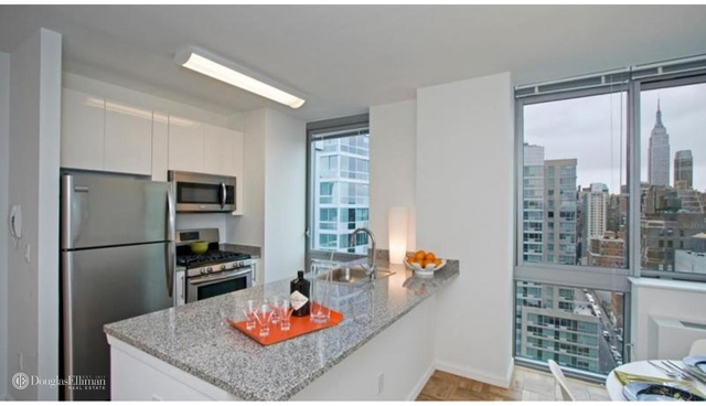 Studio, Hell's Kitchen Rental in NYC for $3,172 - Photo 2