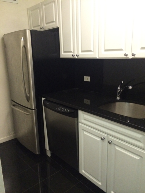 1 Bedroom, Yorkville Rental in NYC for $3,778 - Photo 2