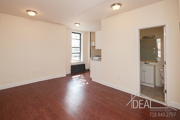 4 Bedrooms, North Slope Rental in NYC for $3,650 - Photo 1