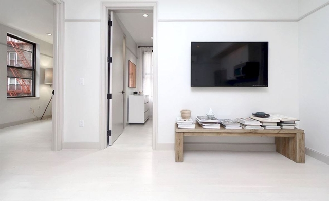 3 Bedrooms, East Village Rental in NYC for $5,019 - Photo 2